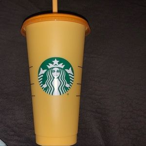 Starbucks Color Changing Cup Marigold to Tangerine